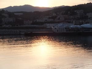 インペリアの港